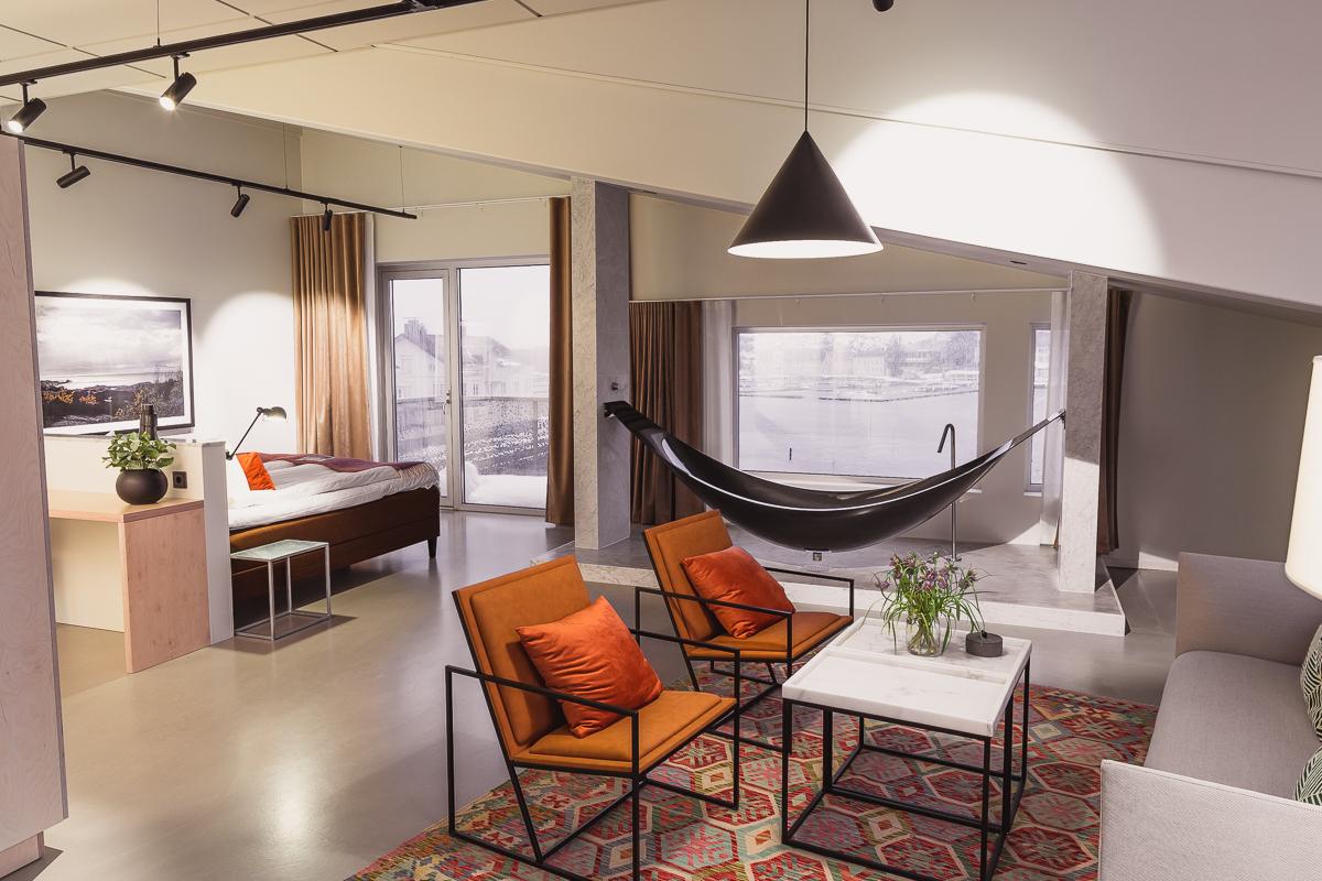 Hammock bath in black carbon fibre at The Mastrand Hotel Sweden