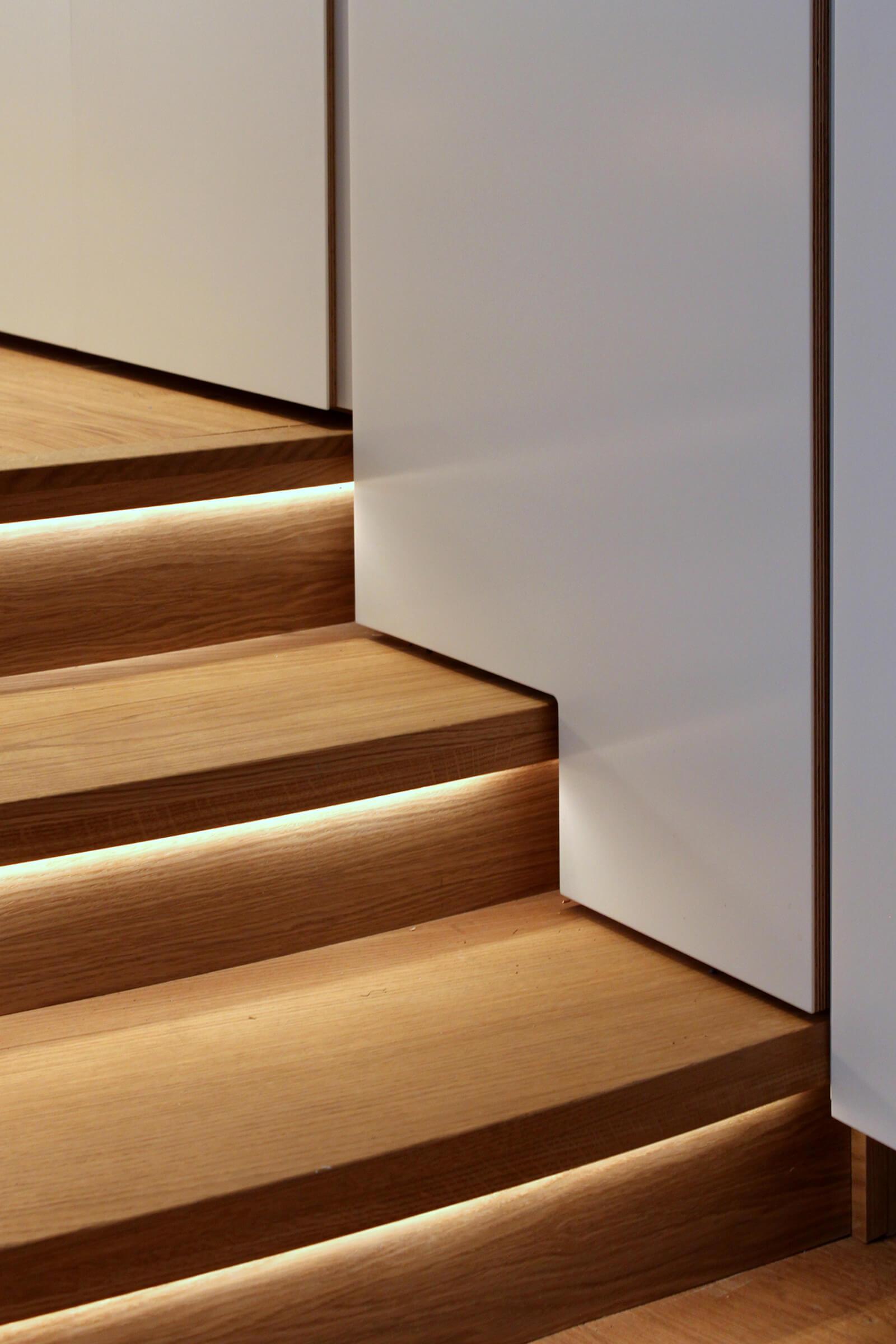 Creative design on steps in this modern split level kitchen